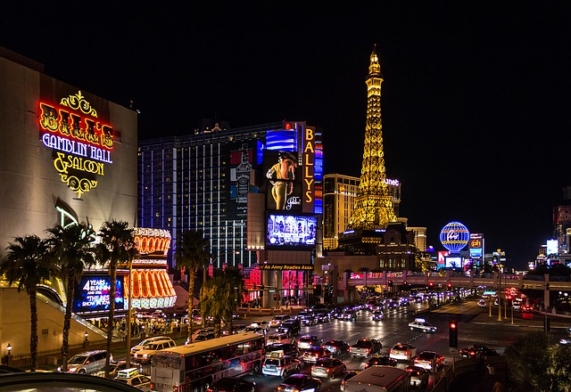 Blick in die Stadt Las Vegas bei Abend